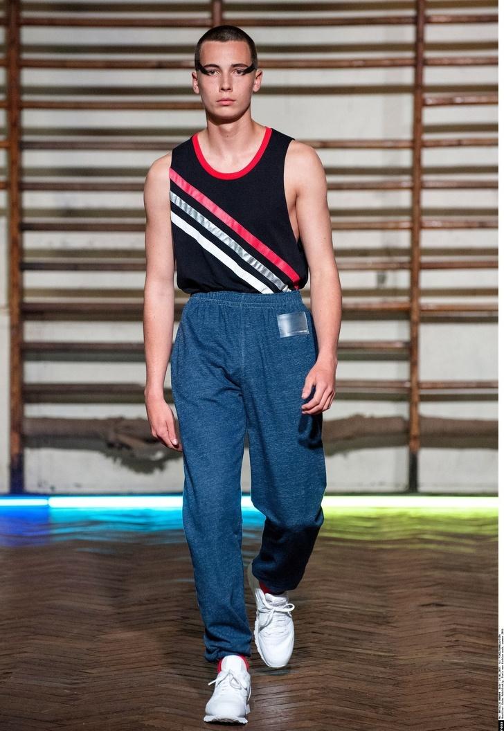 Как мода на безвкусицу захватила подиумы и почему мы приняли этот тренд с радостью мода,мода и красота,модные тенденции,одежда и аксессуары