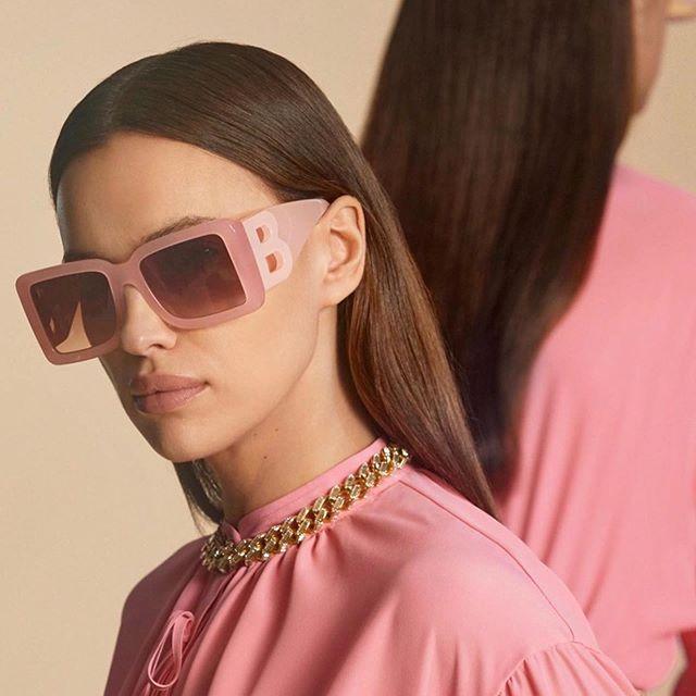 Ирина Шейк стала звездой новой кампании Burberry Pre-Fall 2020