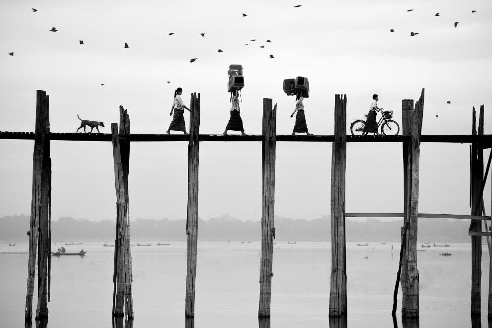 деревянный мост Убэйн в Амарапуре, округ Мандалай, Мьянма