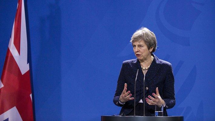"""""""Мы 200 лет живем на чужих деньгах и греемся российским газом"""": в Лондоне напомнили Мэй, что без России Британия опустится в третий мир"""