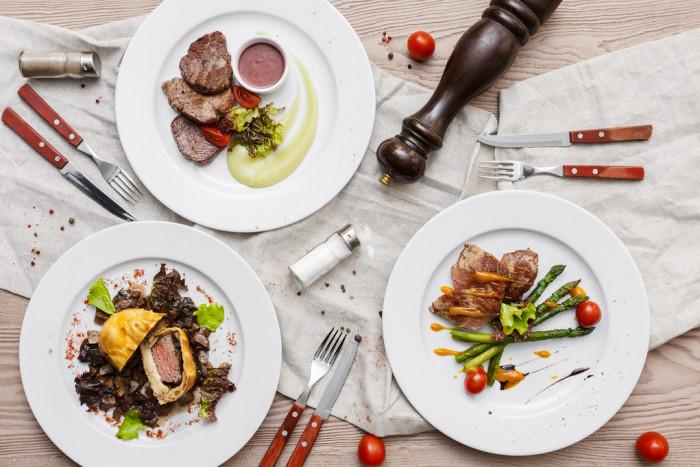 3 интересных факта того, как посуда влияет на аппетит