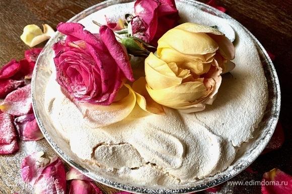 Можно приготовить сегодня, а подавать на следующий день, пирог будет более хрустящий!