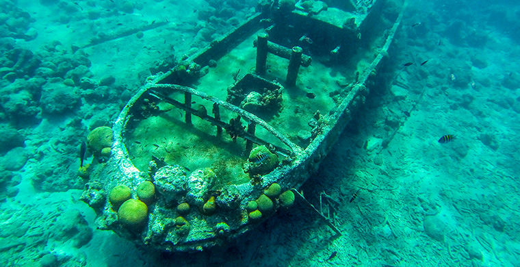 6 живописных кладбищ затонувших кораблей