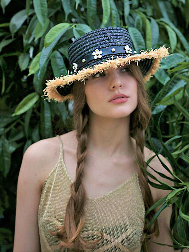 Очарование лета! Вязаные и соломенные шляпки