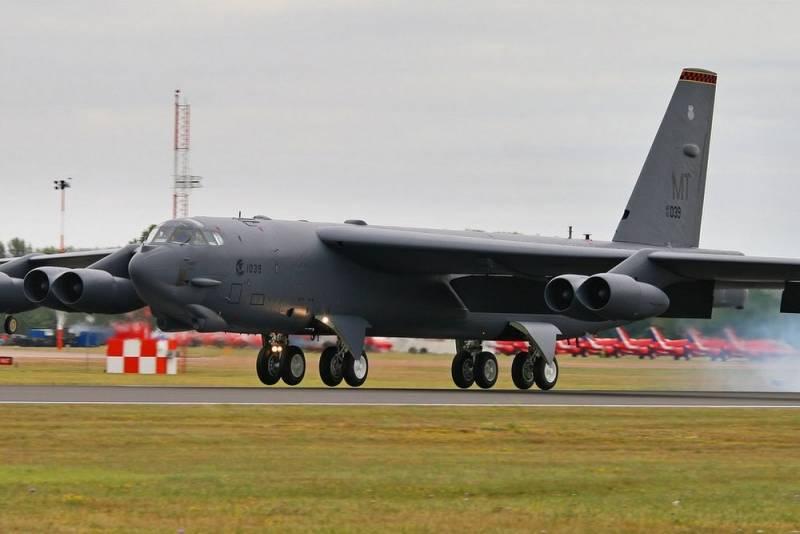 CNN считает, что Россия должна испугаться «сигналов» Пентагона в виде В-52 новости,события