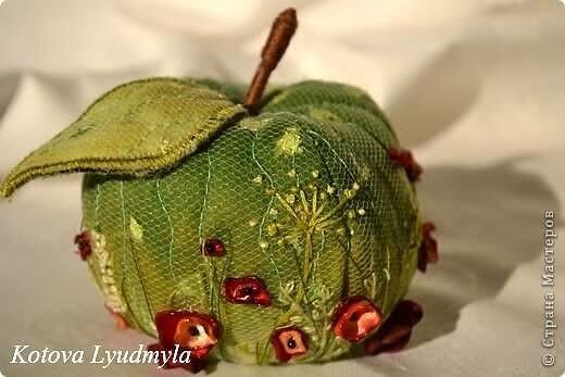 Завораживающие яблочки и груши от Людмилы Котовой!