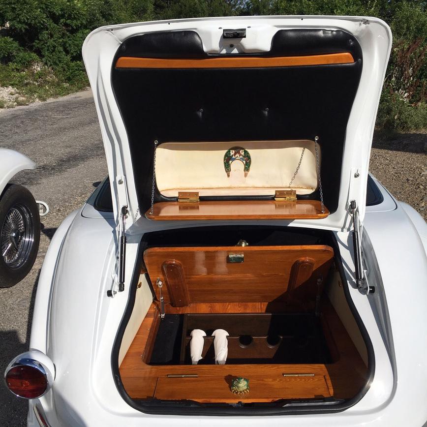 В Крыму выставили на продажу очень необычный автомобиль ручной работы автосамоделки марки и модели