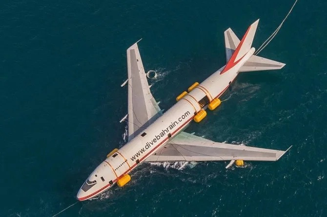 В Бахрейне открылся тематический парк внутри самолета Boeing 747