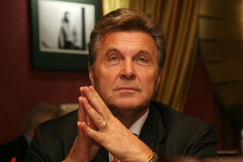 Лев Лещенко назвал получившего госнаграду Алексея Панина «шушерой»