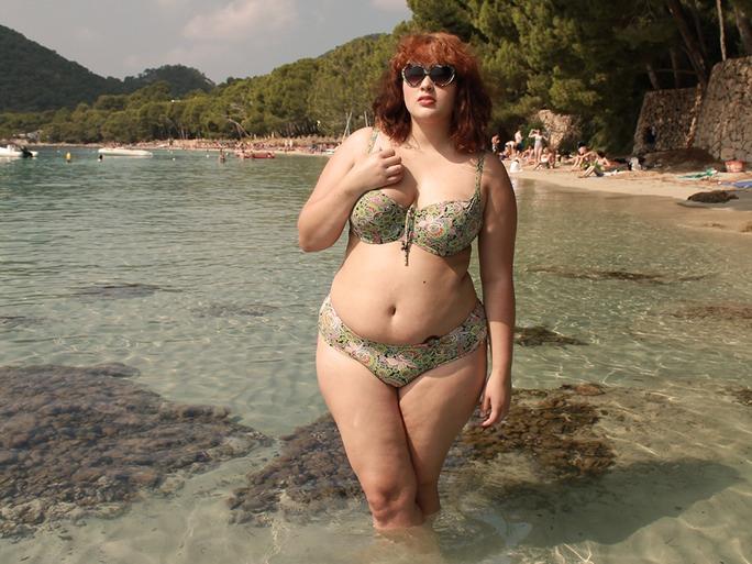 Я — толстая. И вот что я пережила, когда вышла В БИКИНИ на пляж!
