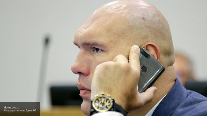 Николай Валуев признался, что главой семьи является его жена