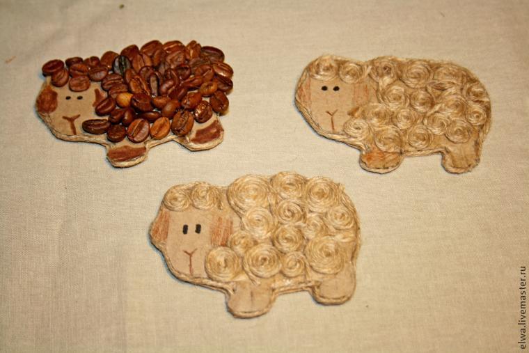 Делаем стильные новогодние магнитики в виде овечек