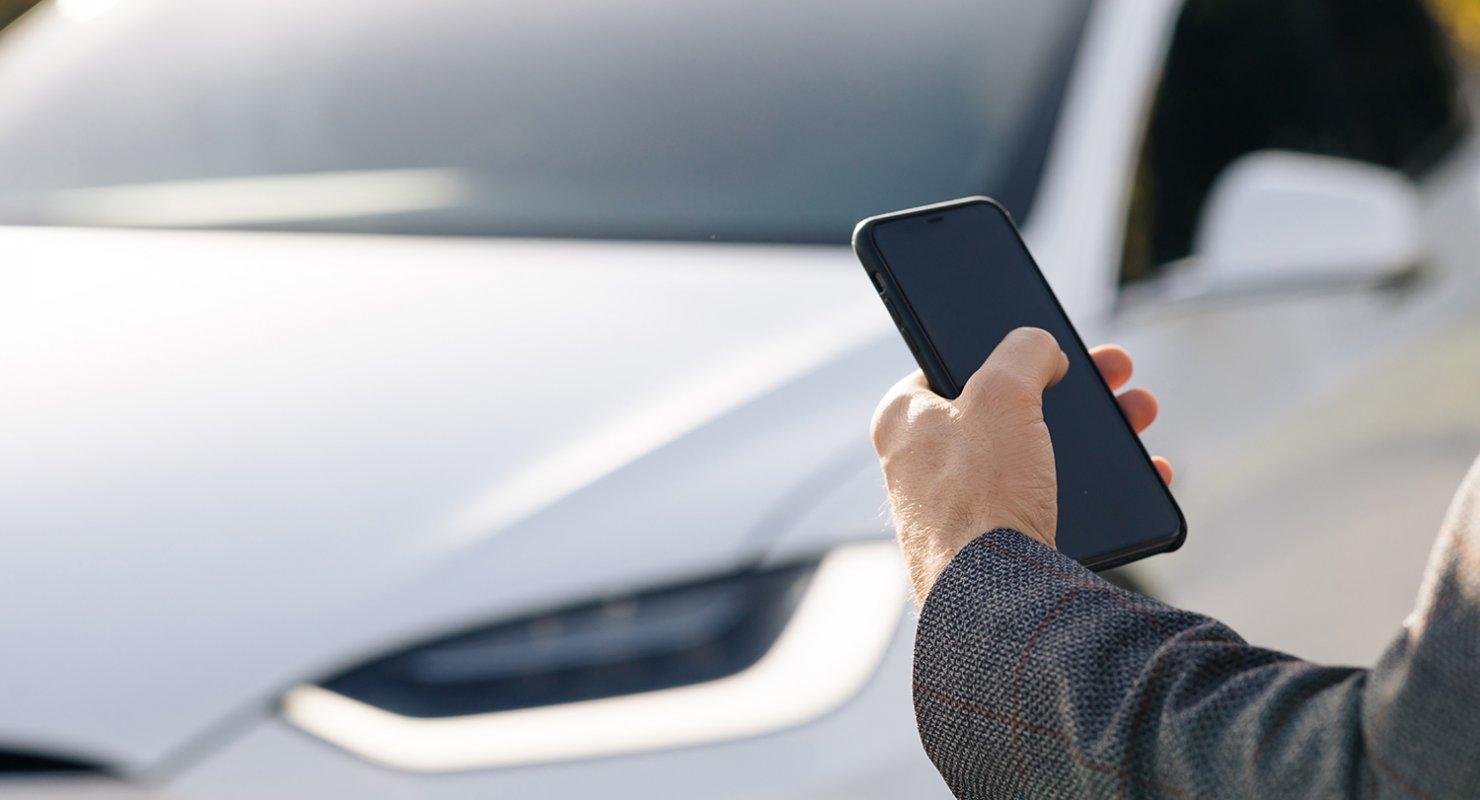 Интерес россиян к беспилотным авто снизился до 40 % Автомобили