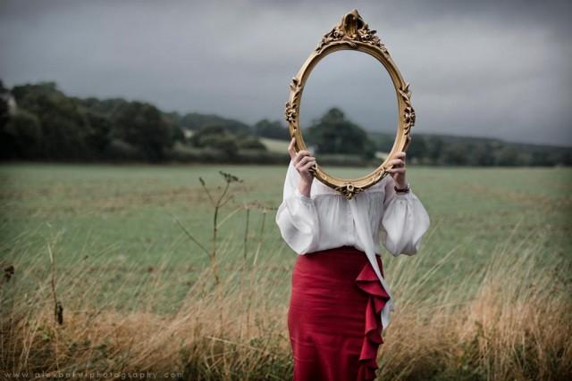 Оберег или серьезная опасность — приметы о зеркалах