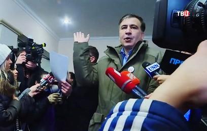 """Высланный Саакашвили обозвал Порошенко """"подлым барыгой"""""""