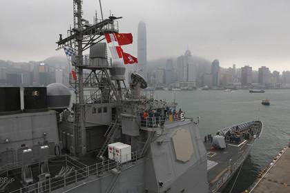 Американский крейсер сел на мель в японском порту