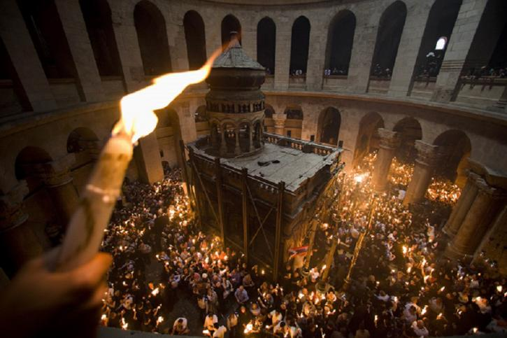 Тайну схождения Благодатного огня раскрыл армянский священник