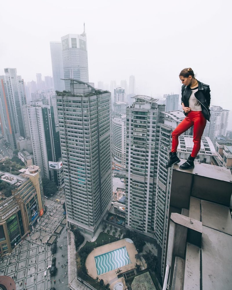 Юная руферша из Москвы делает самые опасные селфи в мире в мире, высота, люди, опасность, руферша, селфи
