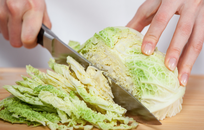 Верный способ тонко нарезать капусту, не используя нож или терку для шинкования кулинарные хитрости,разное