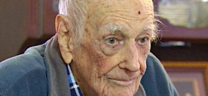 Этот старик сообщил последние пожелания своей семье. Но ответ его жены бесценен!