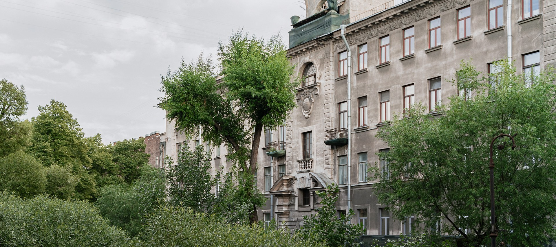 «Я живу в Пале-Рояле на Литейном». Дом, где работал Шагал и снимают кино
