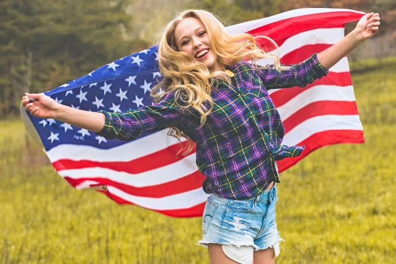 Американка рассказала, почему русские вновь стали гордиться Россией
