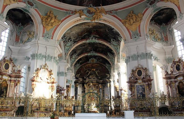 Монастырь Святого Галла в городе Санкт-Галлен - один из самых старинных