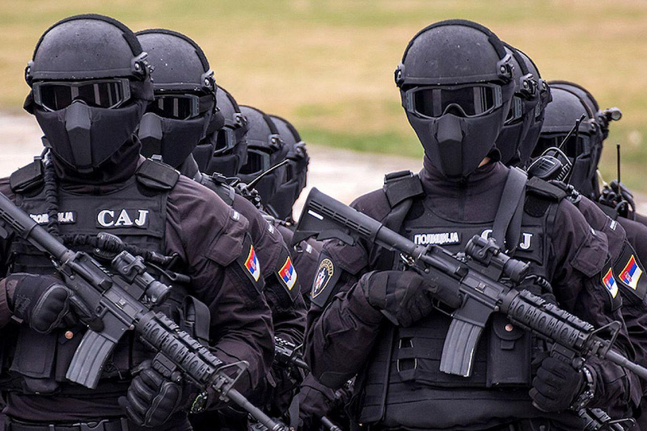 Угроза войны в Косово: Прези…