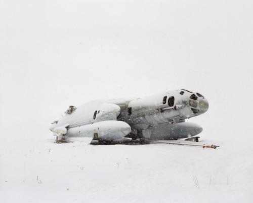 Обломки в снегу: забытое будущее России.