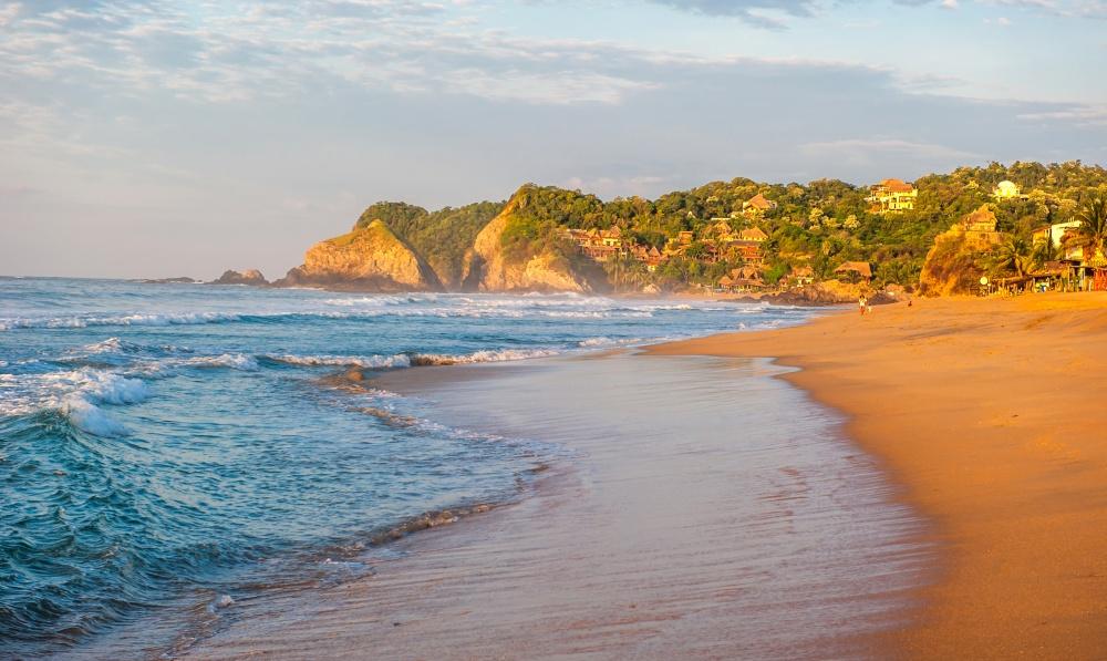 10 прекрасных пляжей, от которых лучше держаться подальше