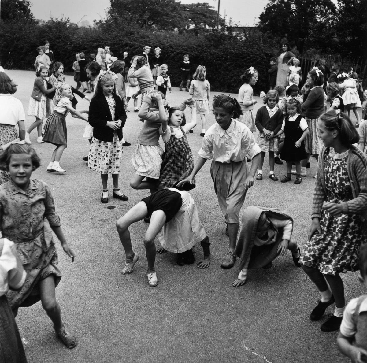 просторного курятника смотреть редкие исторические фотографии девушки узнал