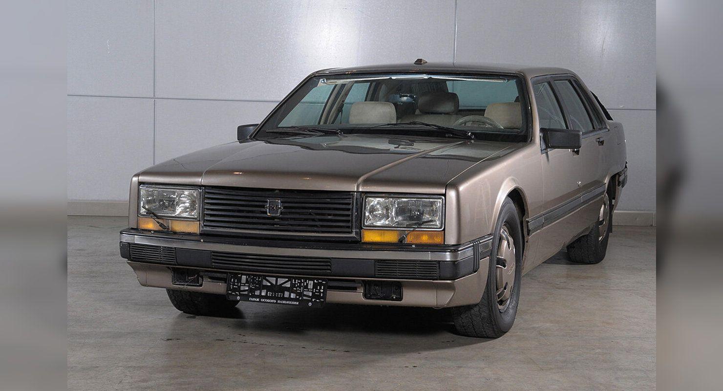 ЗИЛ-4102 — мощный седан из СССР, который опережал свое время, но так и не пошел в серию Автомобили