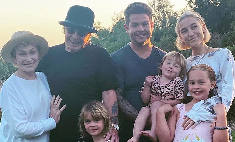 3-летняя внучка Оззи Осборна заразилась коронавирусом Дети,Дети знаменитостей