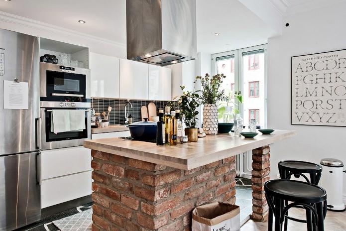 интерьер маленькой кухни с барной стойкой