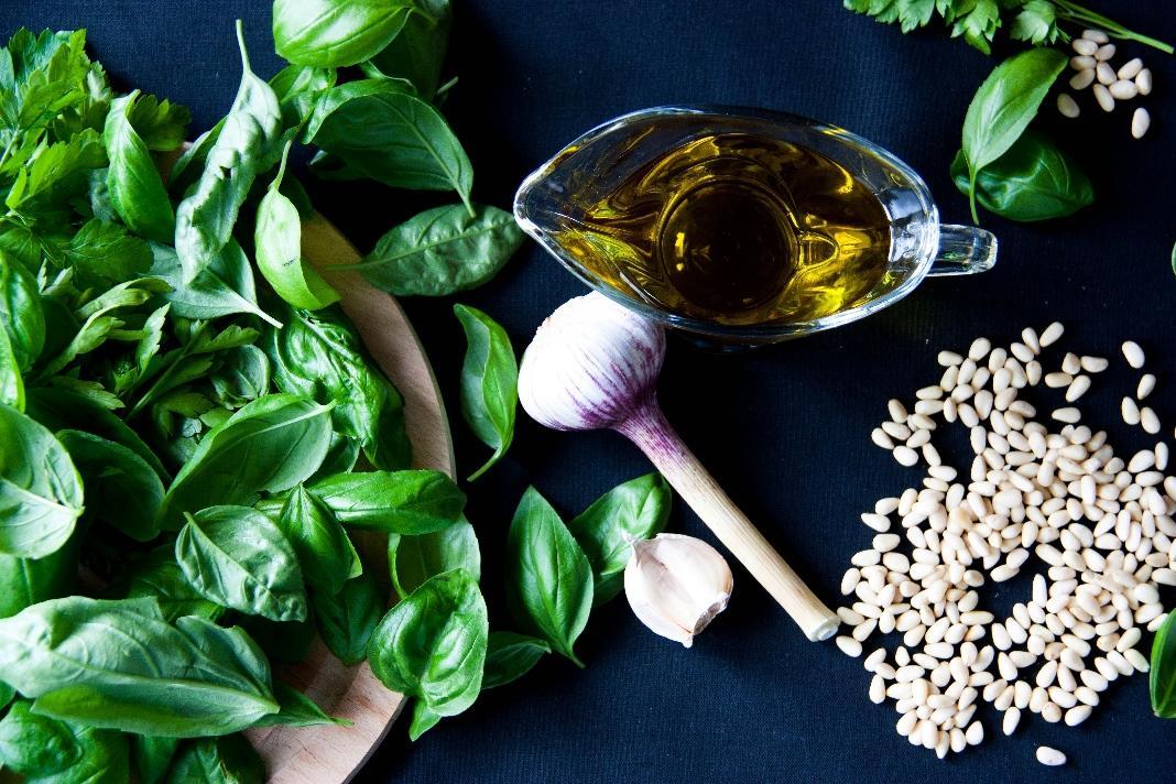 Летние рецепты: готовим соус песто