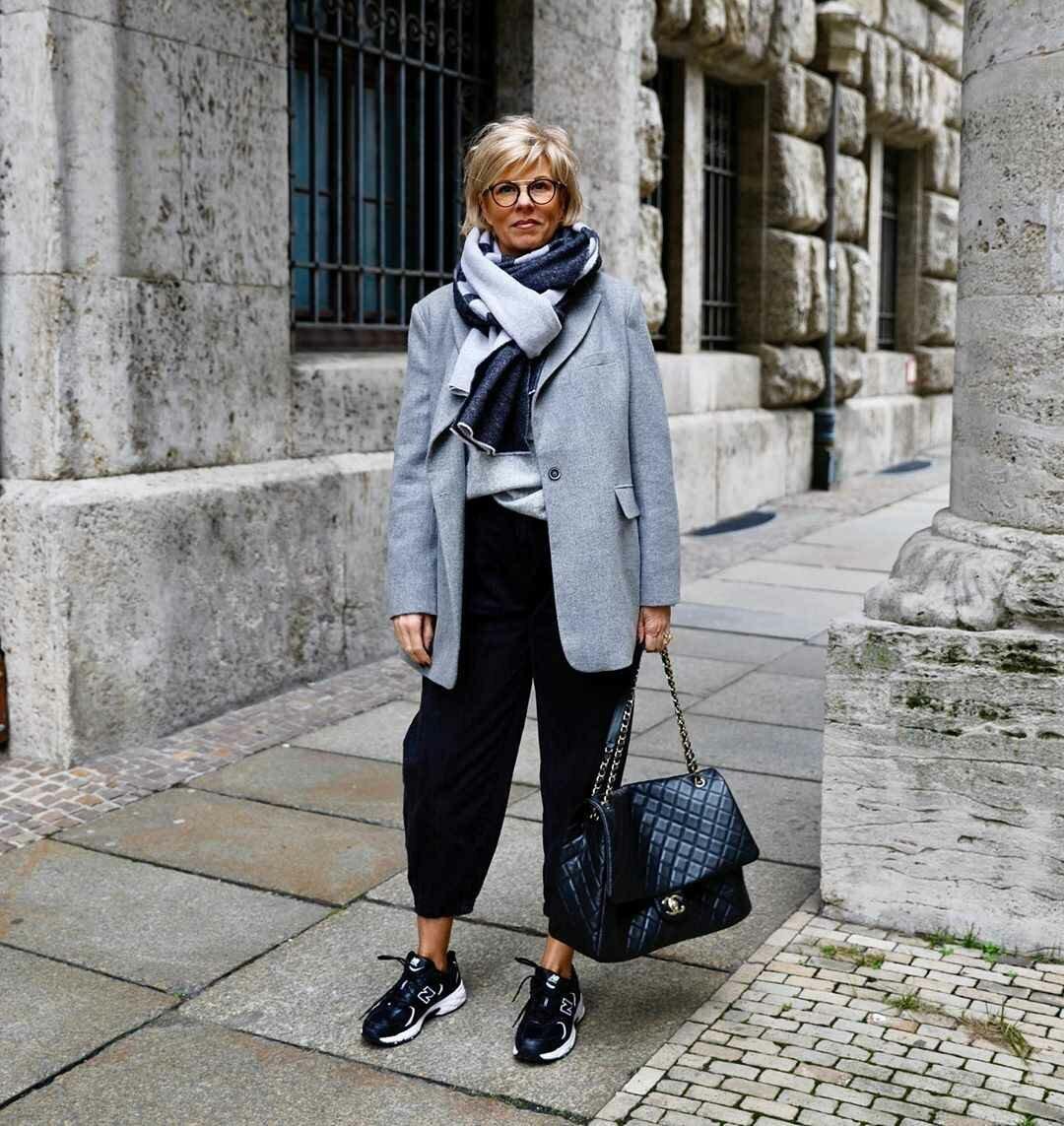 Как после 50 не выглядеть молодящейся дамой? 7 примеров действительно стильных образов аксессуары,внешность,гардероб,красота,мода,мода и красота,модные образы,модные сеты,модные советы,модные тенденции,обувь,одежда и аксессуары,стиль,стиль жизни,уличная мода,фигура