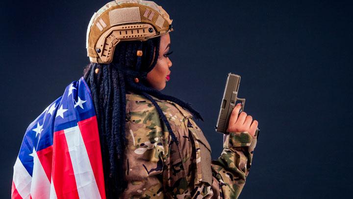 Теперь они всем зададут! В армии США разрешили красить ногти и накручивать дреды армии, ногти, волосы, теперь, солдата, красить, чтобы, господа, армию, каждого, прежнюю, принимать, жизнь, командование, дреды, положено, людей, ставить, должна, этому