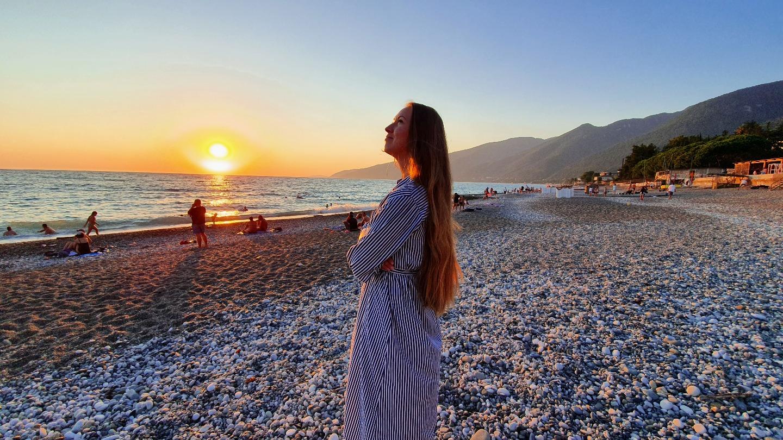 Абхазия 2020 - как встречают туристов? Что работает? Какие цены на жильё и в кафе?