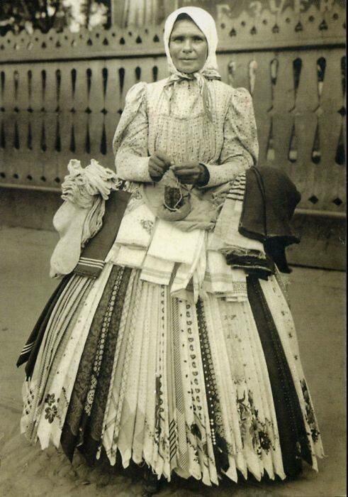 Мастерица торгует платками и носками 19 век, жизнь до революции, редкие фотографии, снимки, фотографии, царская россия