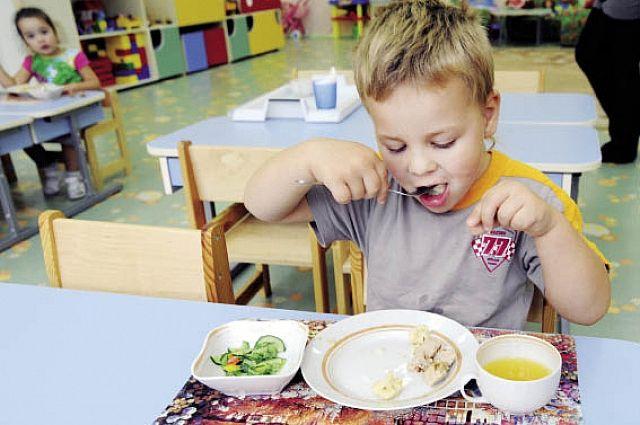 Еда или беда? Как составить правильное меню для ребенка
