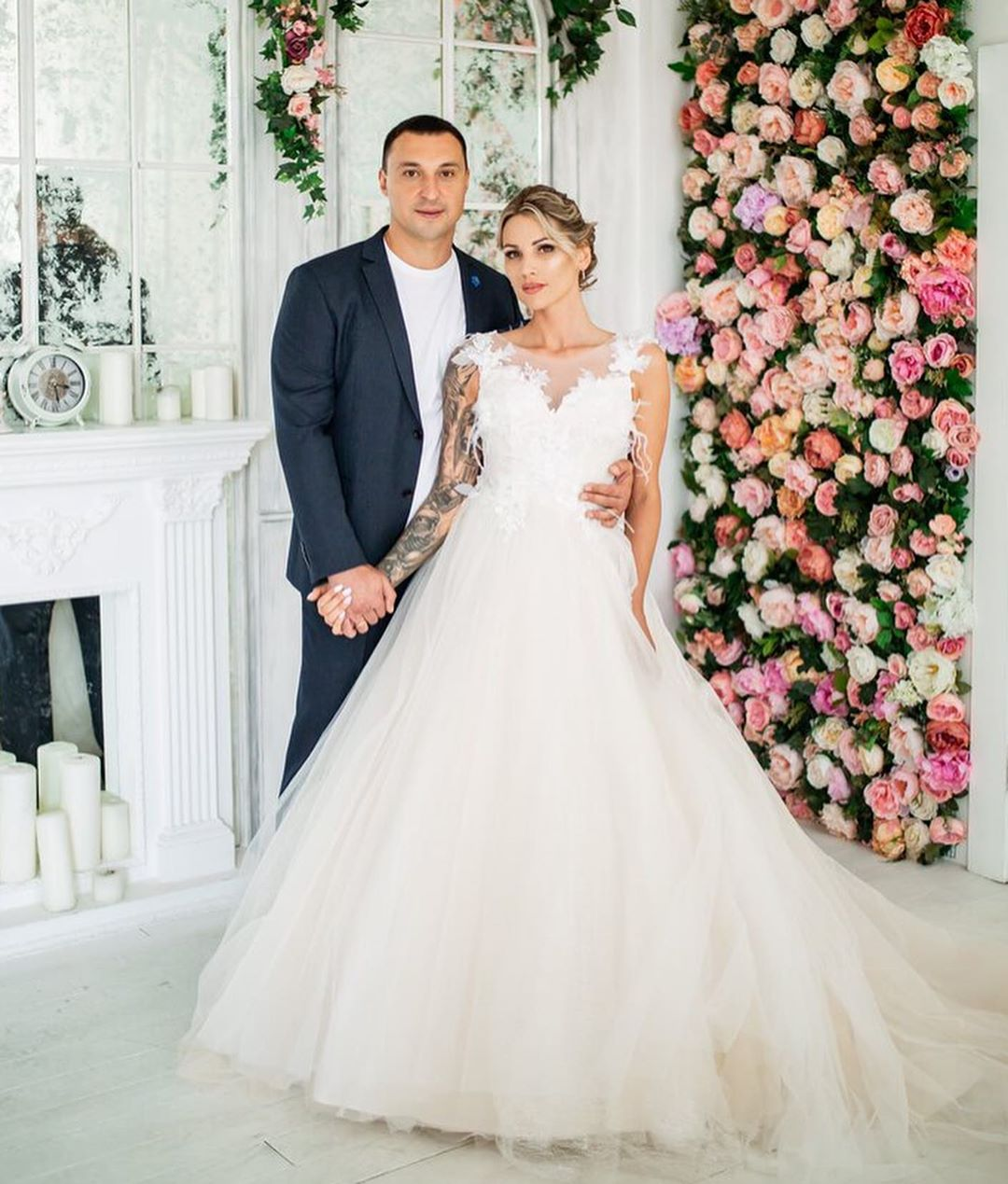 В чем выходили замуж наши девушки летом-2019? Лучшие фасоны, оттенки, вуали (а еще можно рассмотреть женихов)