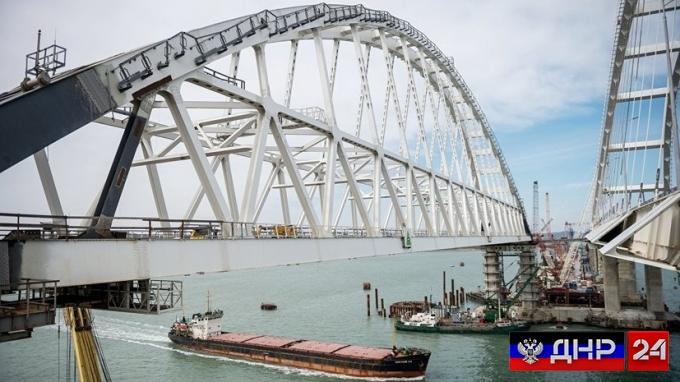 Украинские экстремисты заявили о намерении сделать всё, чтобы воспрепятствовать движению по Крымскому мосту
