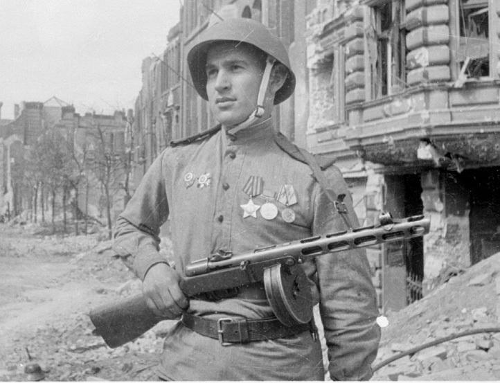 Какой прочностью обладали каски советских солдат в войну