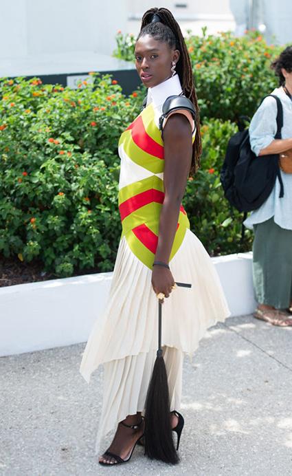 Канны-2021: плетка, клоги и много белого — обсуждаем уличный стиль Кьяры Ферраньи, Джоди Тернер-Смит, Шарлотты Генсбур и других Звездный стиль