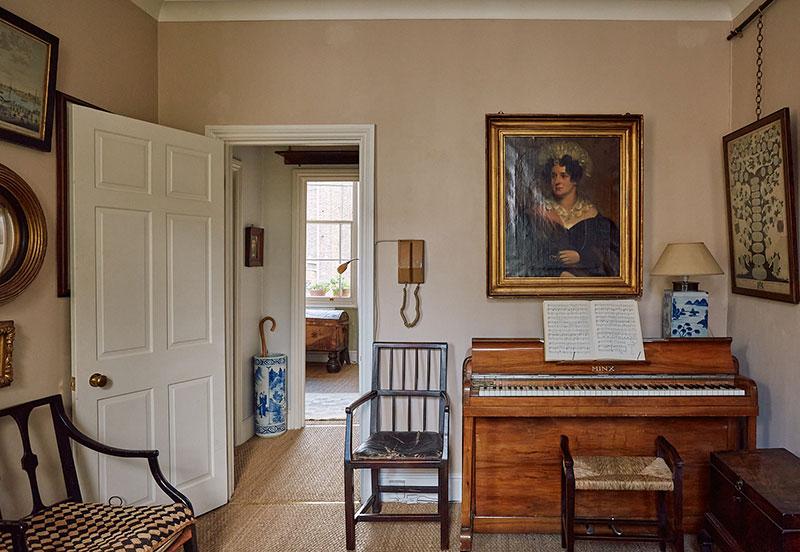 Квартира с антикварной мебелью в таунхаусе 1840 года в Лондоне идеи для дома,интерьер и дизайн