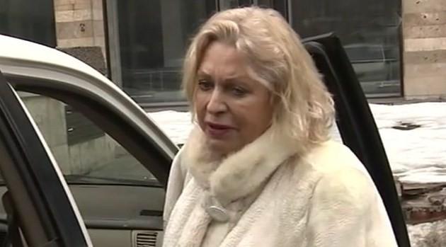 У жены Караченцова нашли алкоголь в крови после аварии