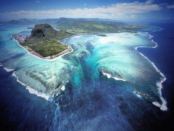 Самая удивительная и гипнотизирующая природная иллюзия в мире
