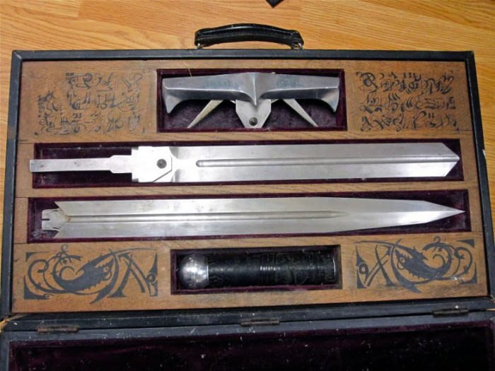 9. Самурайский меч авиаперевозки, багаж, досмотр, забавно, находки, служба безопасности, служба безопасности аэропорта