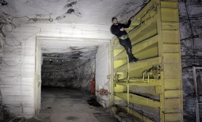 Путь вниз занял целый час: черные копатели спустились в хранилище Госрезерва СССР госрезерв СССР,поисковики,Пространство,спуск в шахту,сталкер,черные копатели