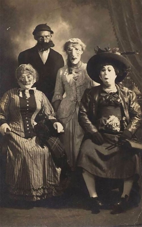 Фотографии из прошлого, наглядно доказывающие, что раньше Хэллоуин был гораздо страшнее хэллоуин